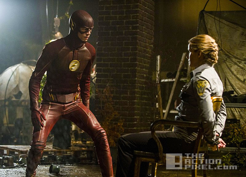 the flash S2 E2. the flash of two worlds. the cw network. dc comics. entertainment on tap. @theactionpixel